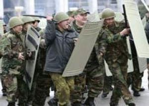 Военные помогают милиции наводить порядок в Бишкеке