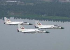 Индия разрешила вести разработку истребителя Tejas дольше 35 лет