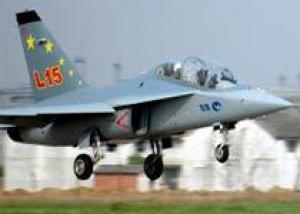 Первый полет выполнил китайский учебно-тренировочный самолет L-15 в версии с форсажной камерой