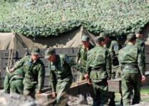 Медведев: Россия усовершенствует армию, сделав ее `мобильной и высокотехнологичной`