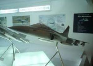 Индия показала модель улучшенной версии истребителя Tejas