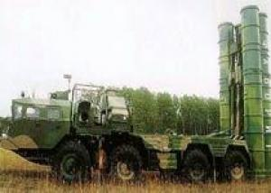 Зенитно-ракетные полки под Санкт-Петербургом получат комплексы С-300 `Фаворит`, подмосковные соединения - комплексы `Панцирь-С`