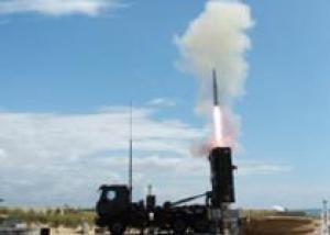 Компания MBDA продемонстрировала применение ракет MICA с с вертикальным стартом для перехвата высокоточного оружия, запускаемого вне зоны объектовой ПВО