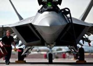 ВВС США приостановили полеты всех истребителей F-22