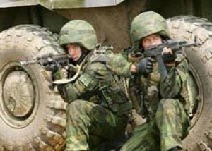К 2017 году в российской армии будут служить 425 тыс. контрактников