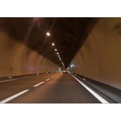 В Швейцарии открыли самый длинный тоннель в Европе