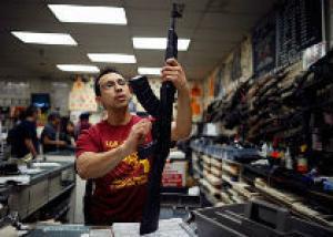 В США спрос на оружие привел к его дефициту