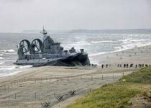 Китай получил первый десантный корабль `Зубр`
