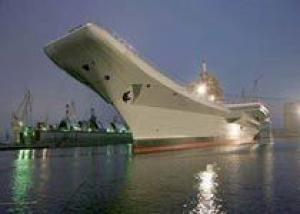 Авианосец `Викрамадитья` начал испытания в Белом море