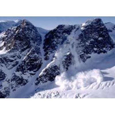 В Альпах под лавиной погибли 6 туристов