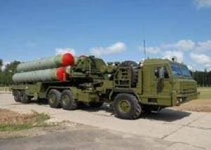 На вооружение армии РФ поступили еще два комплекта зенитно-ракетных систем С-400 `Триумф`