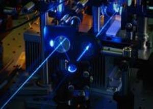 Создан спектрально совмещенный боевой волоконный лазер