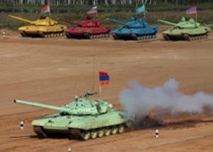 ВМФ России: танкисты береговых войск Балтийского флота готовятся к всеармейским соревнованиям по танковому биатлону