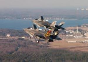 F-35B впервые выполнили групповой полет в режиме STOVL