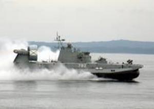 ВМФ России: малый десантный корабль `Мордовия` выполнил артиллерийские стрельбы и высадил морской десант