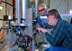 США запустили новые высокоточные атомные часы