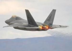 Истребители F-22 оснастят резервными кислородными системами в течение года