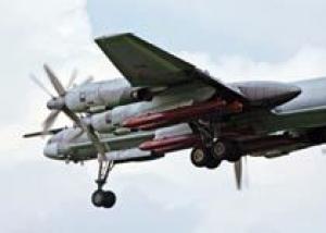 Стратегический бомбардировщик Ту-95 успешно поразил крылатыми ракетами цели на полигоне Западного военного округа