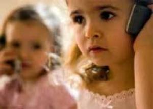 Дети до 12 лет не должны пользоваться мобильным телефоном