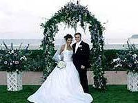 В Калифорнии снова можно называться `женихом` и `невестой`