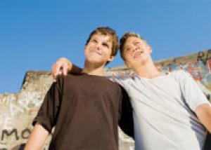 Подрабатывающие подростки пьют меньше