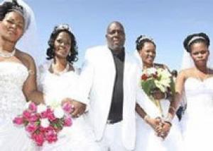 Житель ЮАР женился на четырех женщинах одновременно