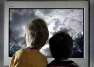 Почему детям вредно смотреть телевизор?