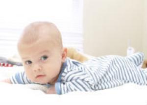 Можно ли ребенку спать с родителями