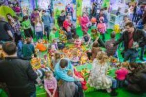 В честь 8 марта прошёл весёлый LEGO®-праздник