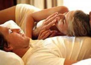 Немного секса и никаких обязательств: молодежь выбирает `легкую` любовь