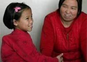 В Китае прооперировали девочку с рукой на спине