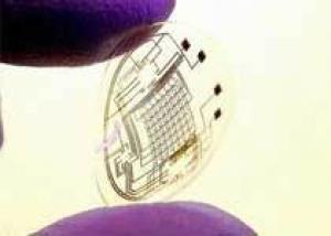 Американцы создали электронные контактные линзы