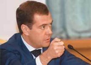 Медведев пообещал российским врачам стажировку за рубежом