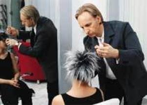 Канцерогены, содержащиеся в красках для волос, увеличивают риск развития рака мочевого пузыря у мужчин-парикмахеров
