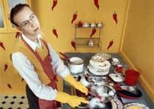 Ученые: мужчины, занимающиеся уборкой, возбуждают женщин