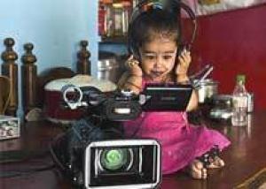 Самая маленькая девочка в мире гордится своим ростом