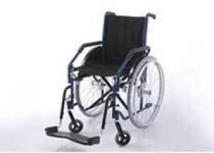 Британка пять лет держала здорового сына в инвалидной коляске