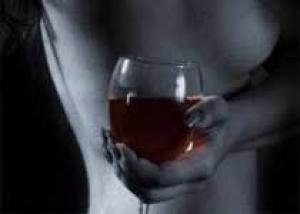 Красное вино помогает сохранить сердце молодым