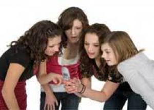 Ученые: пользование подростками мобильной связью ведет к стрессу и бессоннице