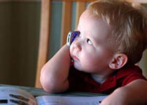 Роспотребнадозор требует оградить детей от вредного воздействия мобильных телефонов
