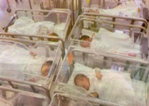 Жительница Туниса родила шестерых близнецов