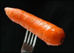 Морковь чистит печень
