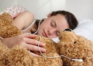 Часть подростковых проблем может снять нормальный сон
