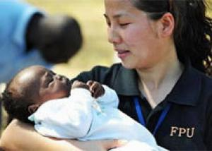 Девятилетняя китаянка родила здорового малыша