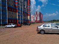 В Челябинске на месте детской площадки появилась парковка