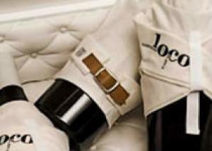 Вино, которое находится в смирительной рубашке замечательный сувенир из Толедо