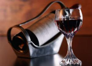 Красное вино станет основой для производства лекарств, продлевающих жизнь