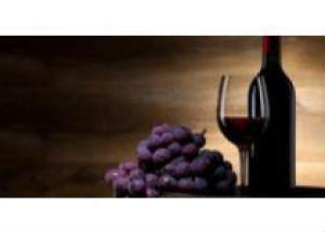 Красное вино защищает от потери слуха
