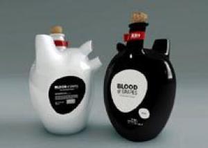 Создана винная бутылка в виде сердца