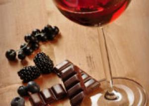 Красное вино и черника улучшают иммунную систему